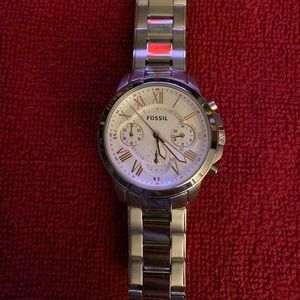 Mid Size Fossil Watch